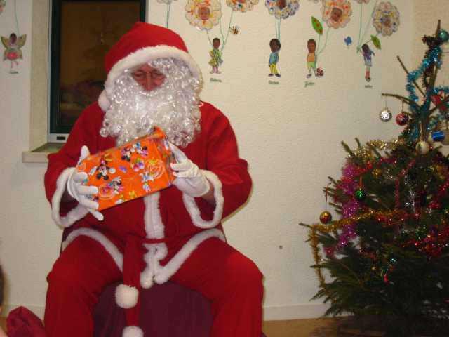Au centre, le Père Noël n'a pas chômé!